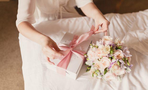 cadou pentru nunta flori