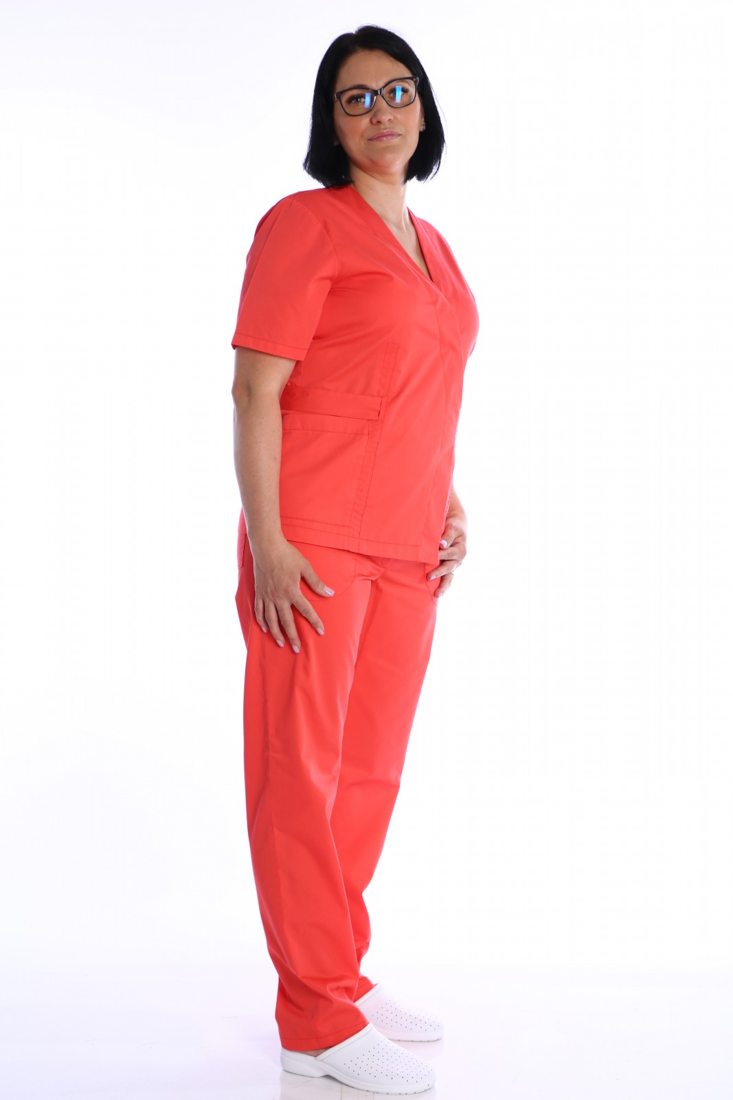 uniforma medicala petrecuta